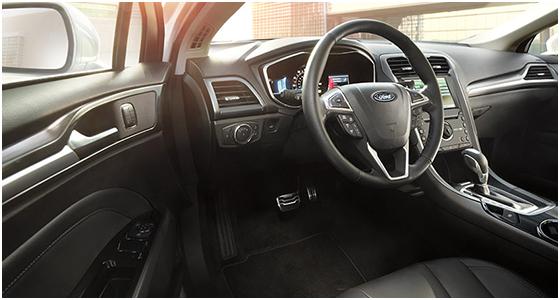2016 Ford Fusion interior (2)